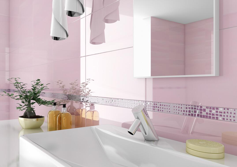 Hempeän vaaleanpunainen kylpyhuone tarjoaa tyynen ilmapiirin