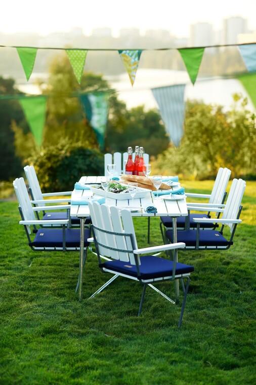 Tyylikkäät, mukavat ja tukevat kesäkalusteet sopivat erinomaisesti niin arkeen kuin juhlaankin