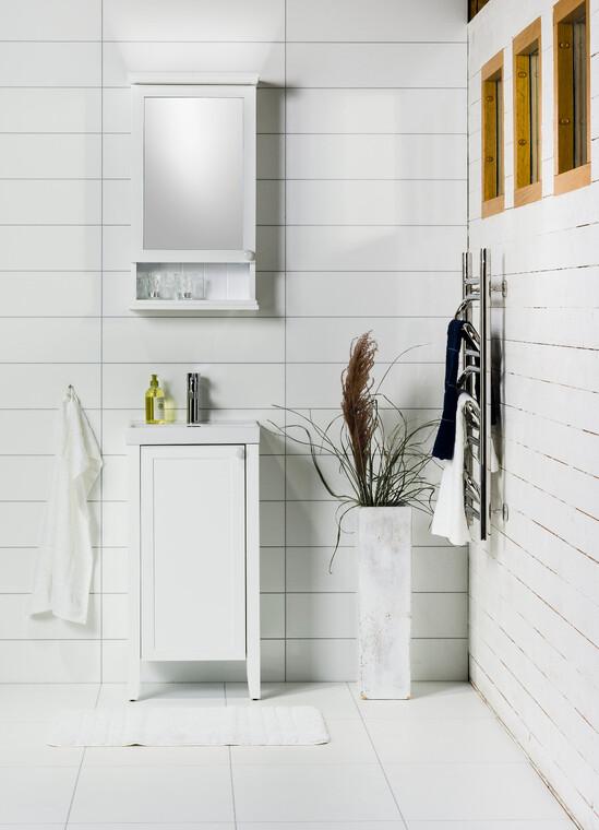 Valkea, linjakas kylpyhuonetila