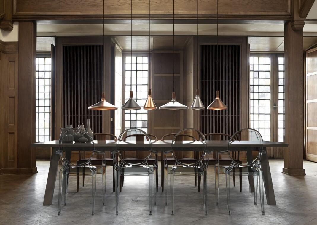 Erikokoisista valaisimista saa yhdisteltyä näyttäviä ryhmiä ruokapöydän ylle