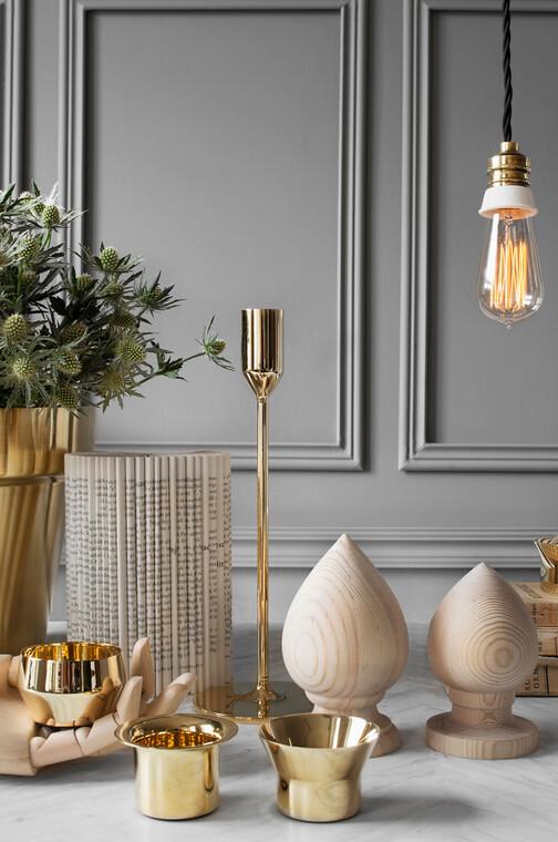 Kauniin paljasta ja hienostuneen teollista muotoilua kodin koriste-esineissä