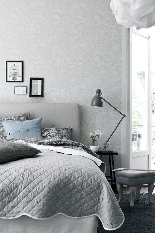Makuuhuoneen sisustuksen rentouttava tunnelma