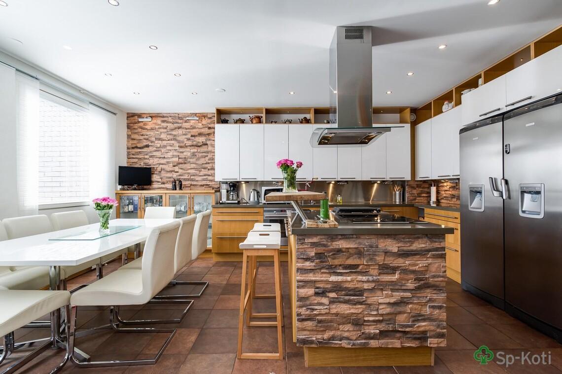 Perinteinen keittiö 9672172