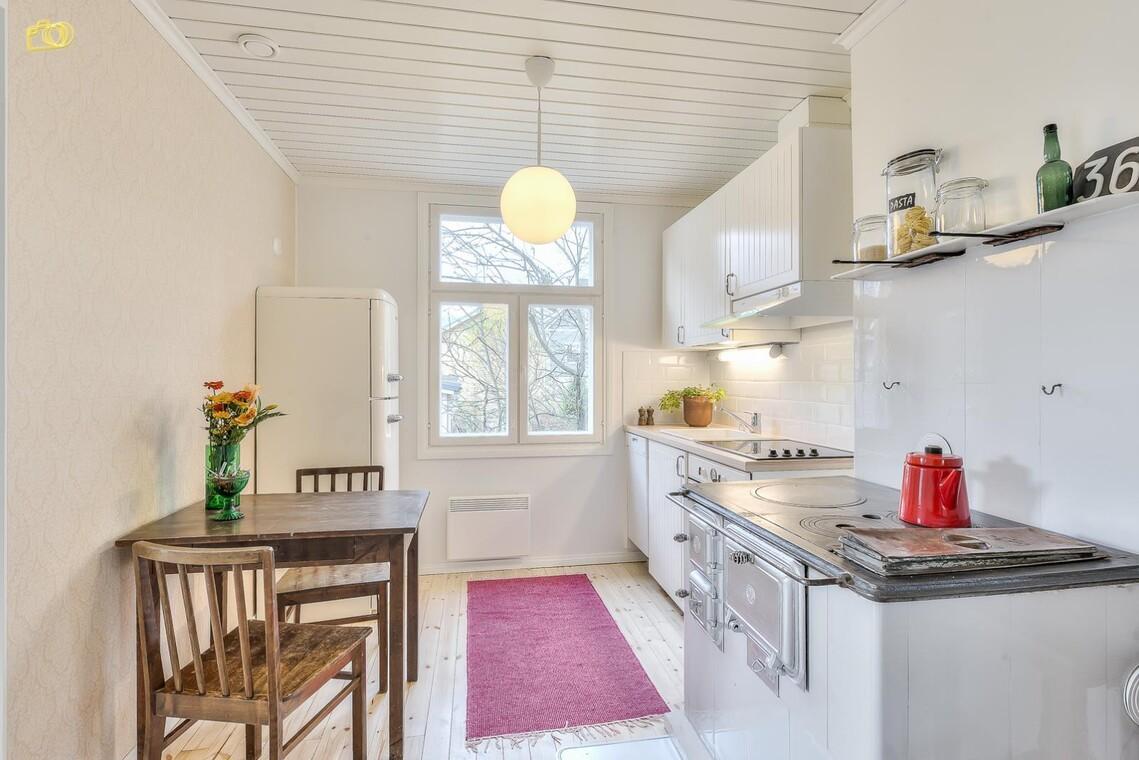 Maalaisromanttinen keittiö 9638463