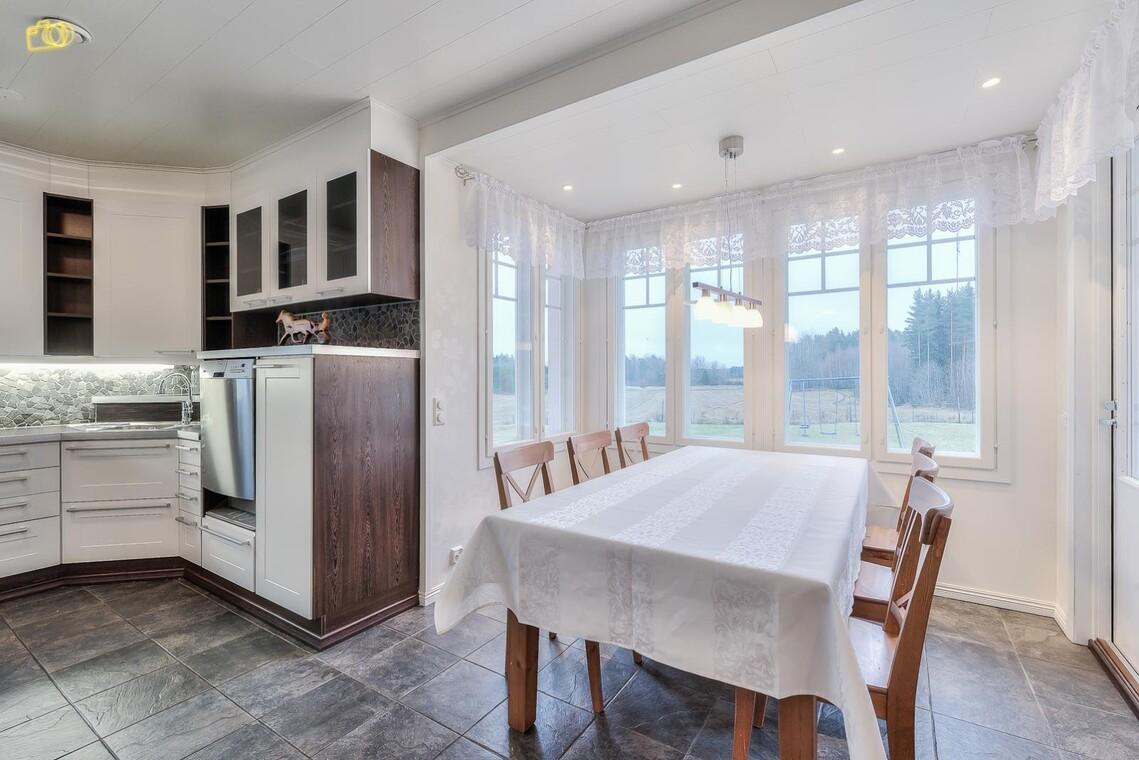 Perinteinen keittiö 9542263