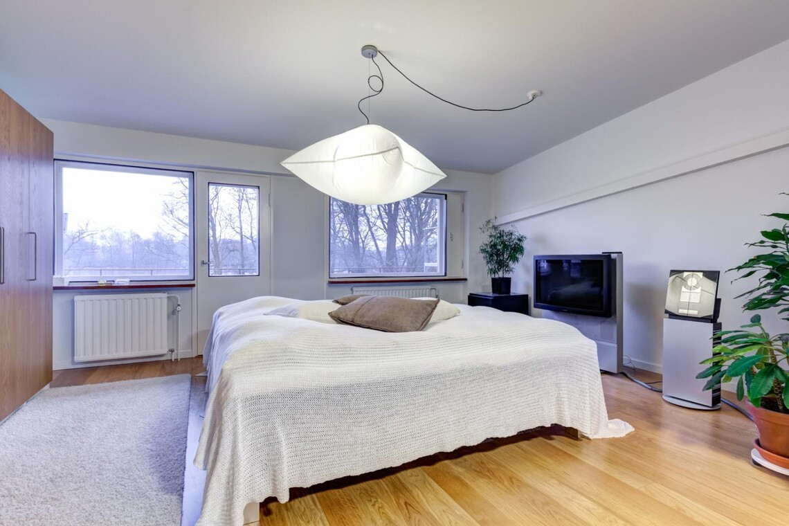 Moderni makuuhuone 9702850