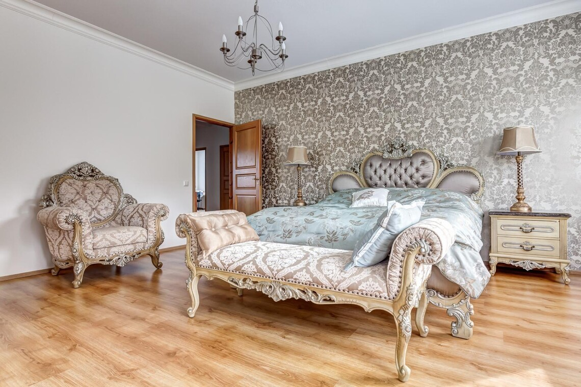 Perinteinen makuuhuone 9480986