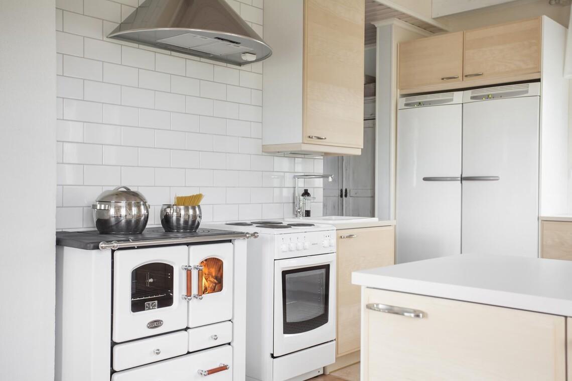 Perinteinen keittiö 7641861