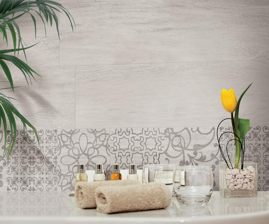 Laatat tuovat kylpuhuoneeseen rauhallista ja hieman itämaista tunnelmaa