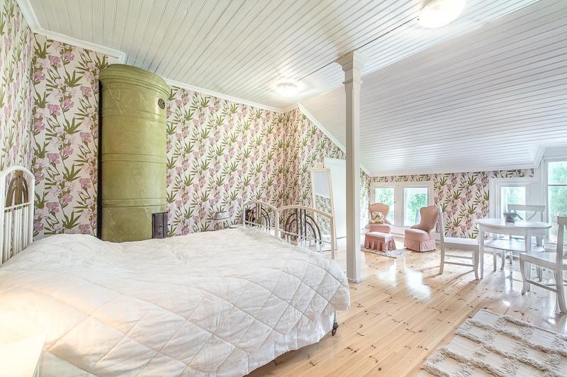 Perinteinen makuuhuone 7639962