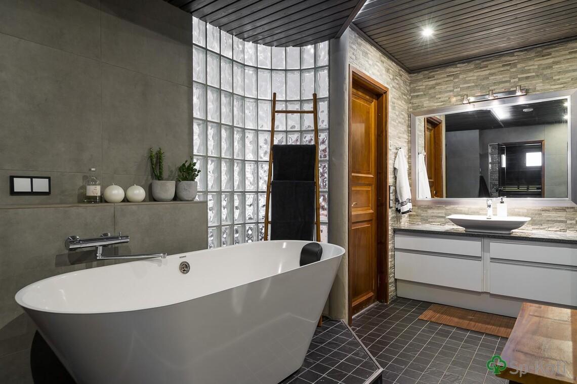 Moderni kylpyhuone 9589297