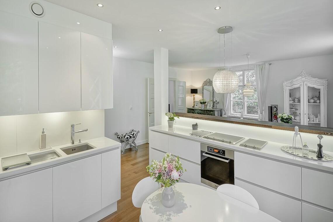 Moderni keittiö 9633444