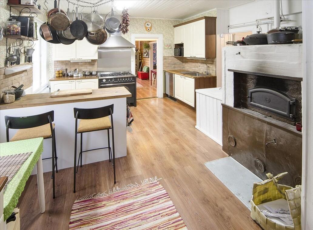 Perinteinen keittiö 549980