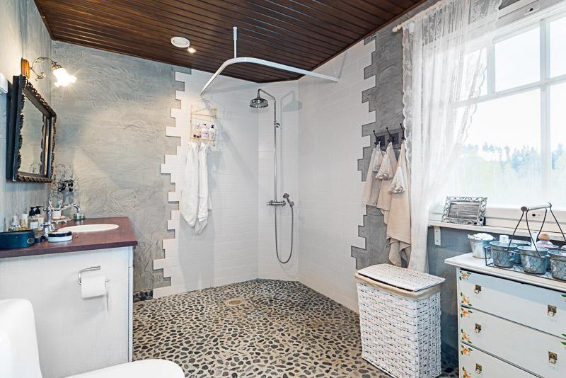 Perinteinen kylpyhuone 7670615