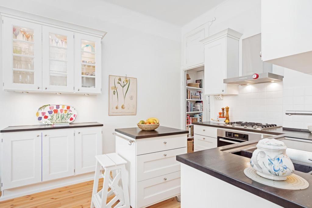 Perinteinen keittiö 496049