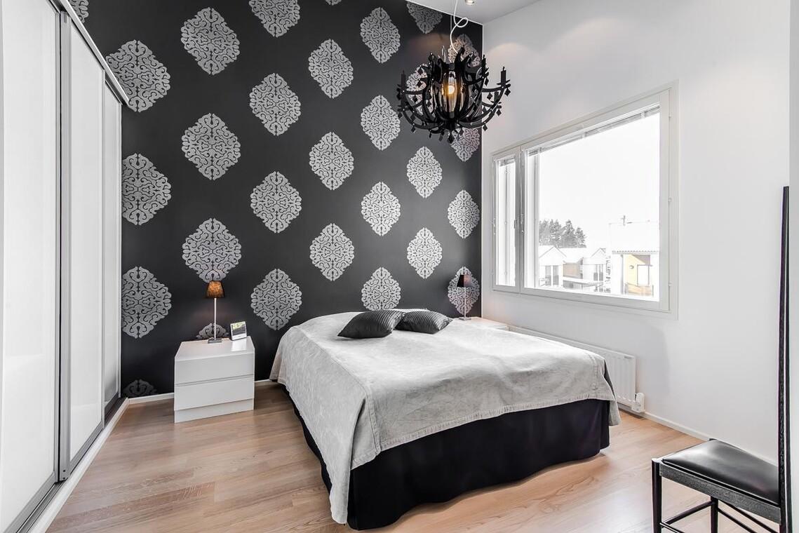 Mustavalkoista glamouria makuuhuoneessa