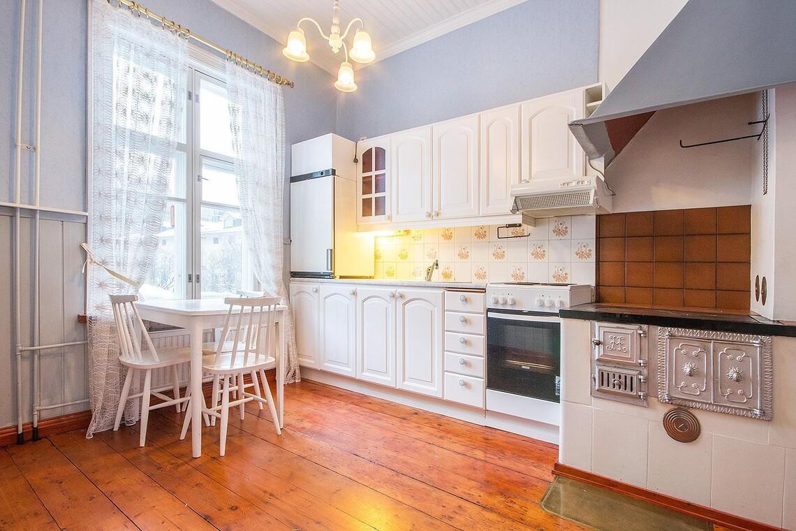 Perinteinen keittiö 9601190