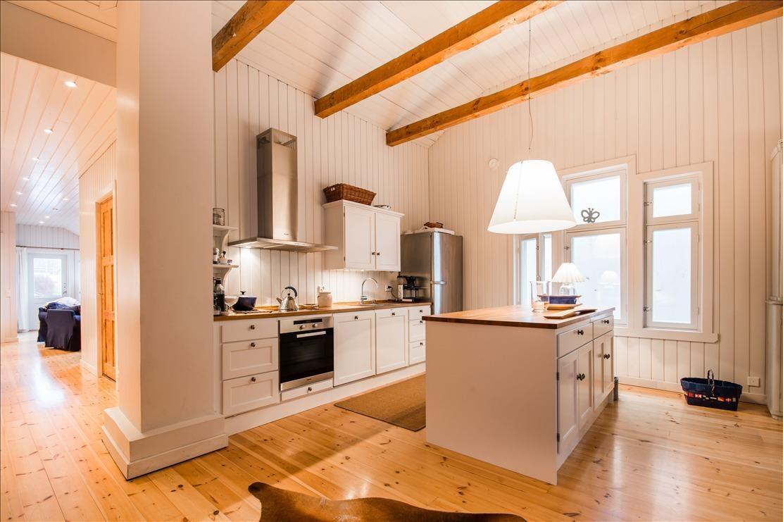 Maalaisromanttinen keittiö 556889