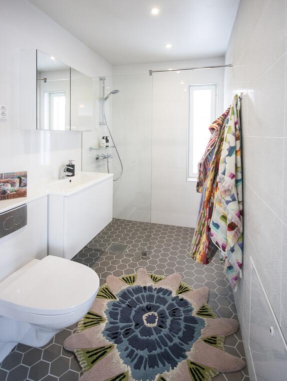 Kylpyhuone kohteessa Kastelli, Asuntomessut 2015 Vantaa