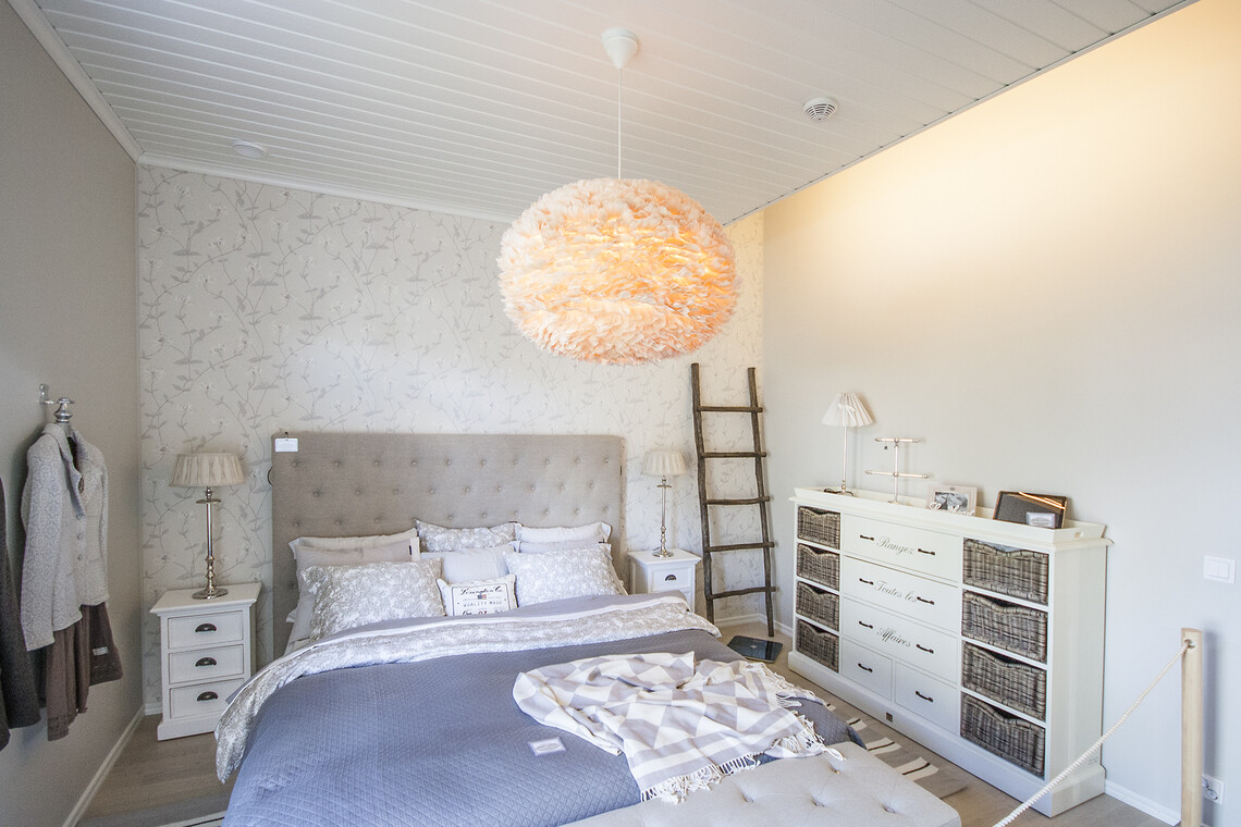 Makuuhuone kohteessa Tiilerikoti, Asuntomessut 2015 Vantaa