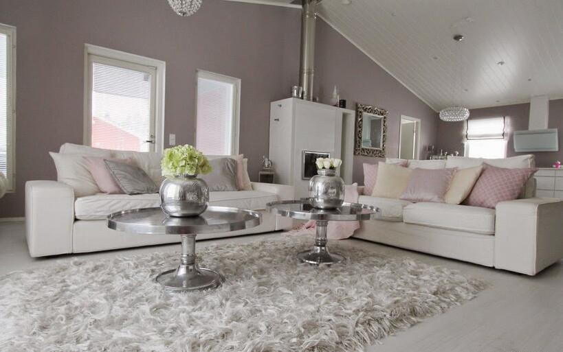 Pastellia ja glamouria olohuoneessa