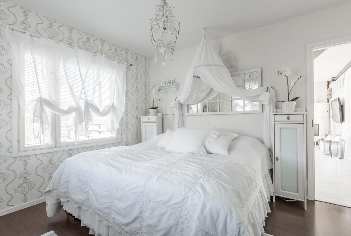 Pehmeä ja romanttinen tunnelma makuuhuoneessa