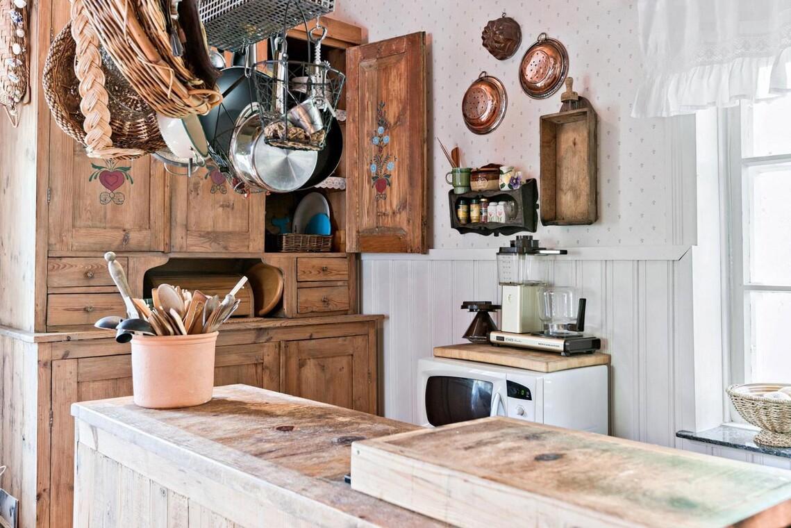 Hurmaava mökin keittiö