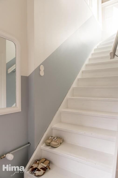 Mukava maalausidea portaikkoon