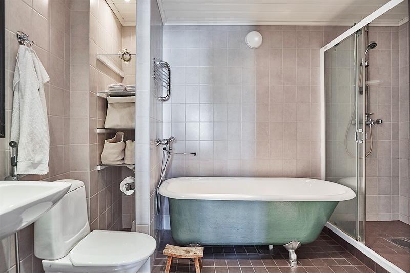 Perinteinen tassuamme kylpyhuoneessa