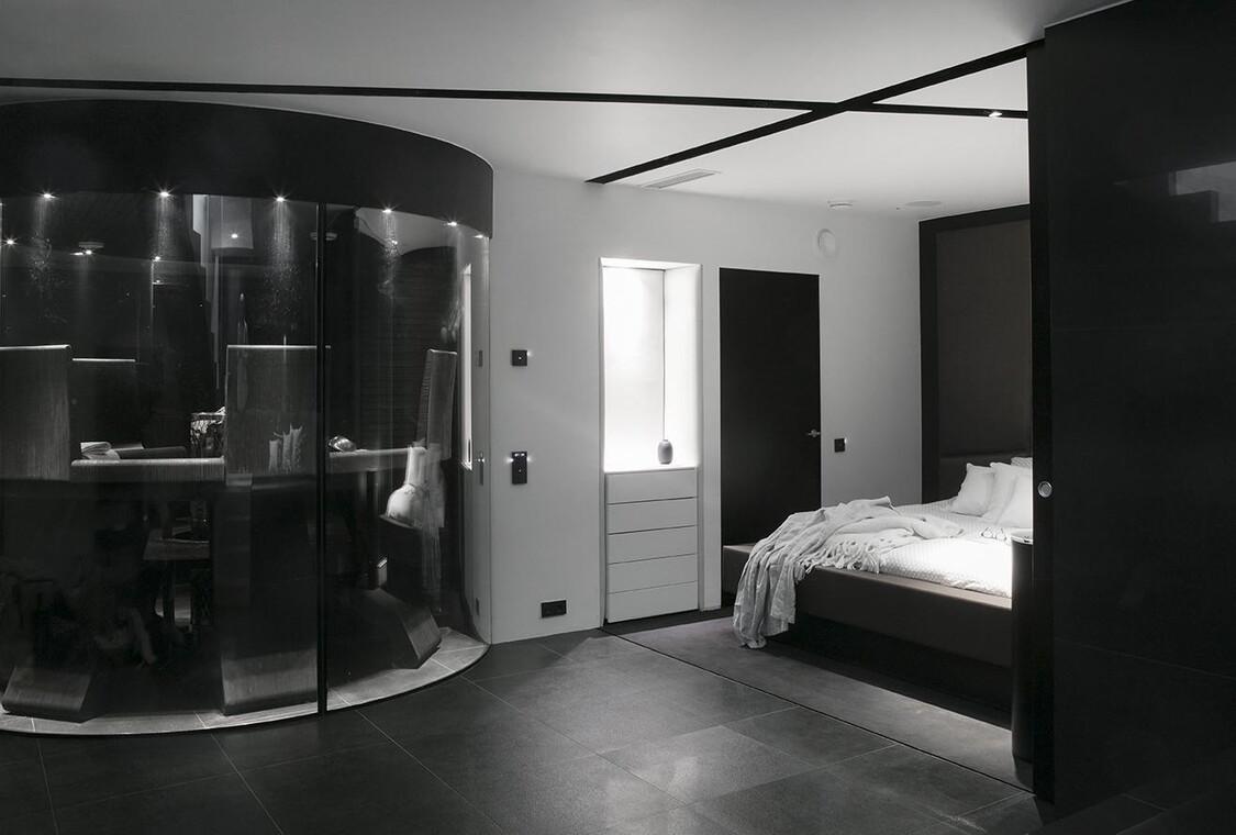 Ylellinen makuuhuoneen ja saunaosaston yhdistelmä