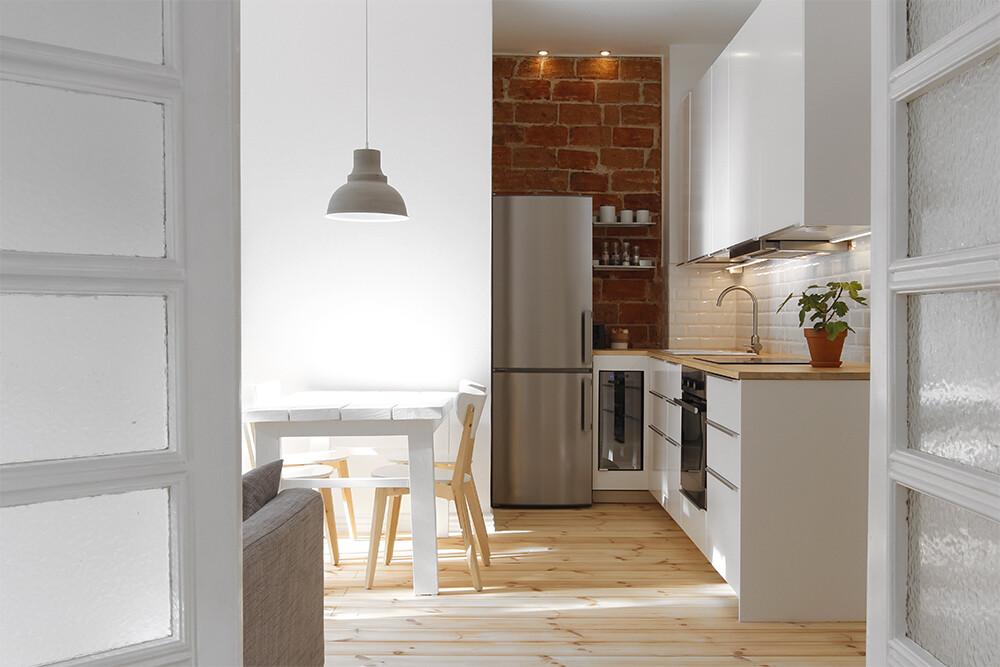 Kaksion kaunis ja toimiva keittiö