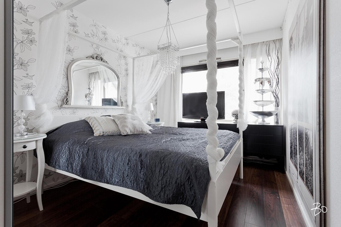 Ylellistä tunnelmaa makuuhuoneessa