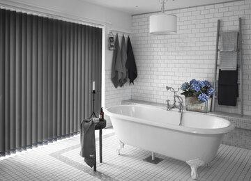 Kylpyhuoneen värien mukaan valitut lamellikaihtimet täydentävät kokonaisuutta