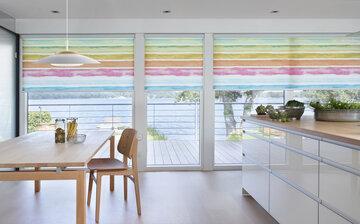 Sateenkaaren väriset kaihtimet tekevät keittiöstä ihanan pirteän