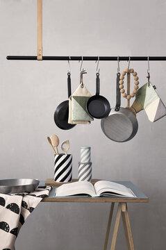 Vaatetangon voit löytää myös luovan ja käytännöllisen kokin keittiöstä