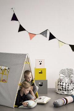 Hauskan ilmeikkäitä ja helposti liikuteltavia sisustuselementtejä lastenhuoneeseen