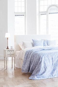 Rauhoittava sininen sopii makuuhuoneeseen