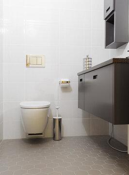 Klassiset laatat antavat kylpyhuoneelle ajatoman ilmeen