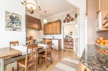 Perinteinen keittiö 7639962