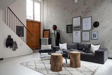 Ihana olohuone loft-asunnossa