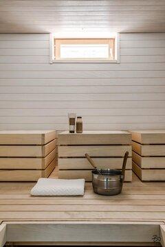 Vaaleansävyinen sauna