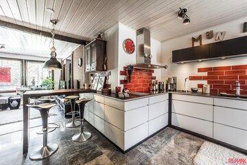 Asennetta ja särmää keittiössä