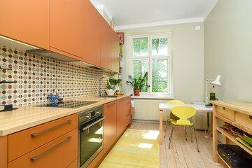 Kaunista värien käyttöä keittiössä