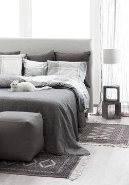 Rauhalliset sävyt makuuhuoneen sisustuksessa