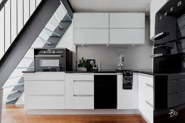 Loft-yksiön tyylikäs keittiö