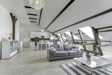 Loft-asunto vanhan urkutehtaan ullakolla