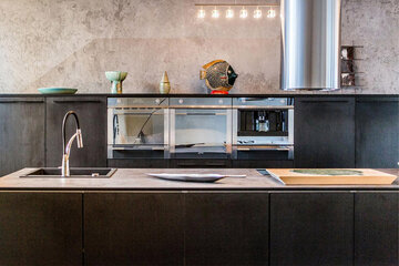 Musta keittiö – tyylikäs ja tunnelmallinen