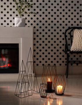 Mustat ilmavat joulukoristeet moderniin makuun