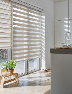 Moderni ja tyylipuhdas kaihdin keittiössä