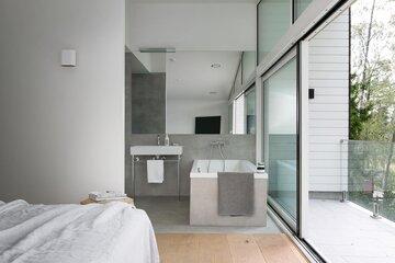 Ylellinen makuuhuone omalla kylpyhuoneella
